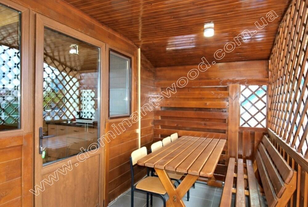Красивый интерьер в деревянном срубе