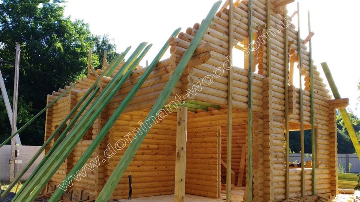 Оцилиндрованный дом с каркасными перестенками
