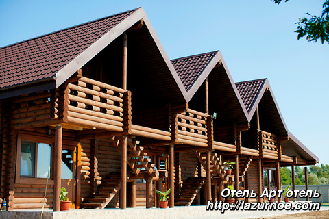 Гостиница из сруба: пример постройки