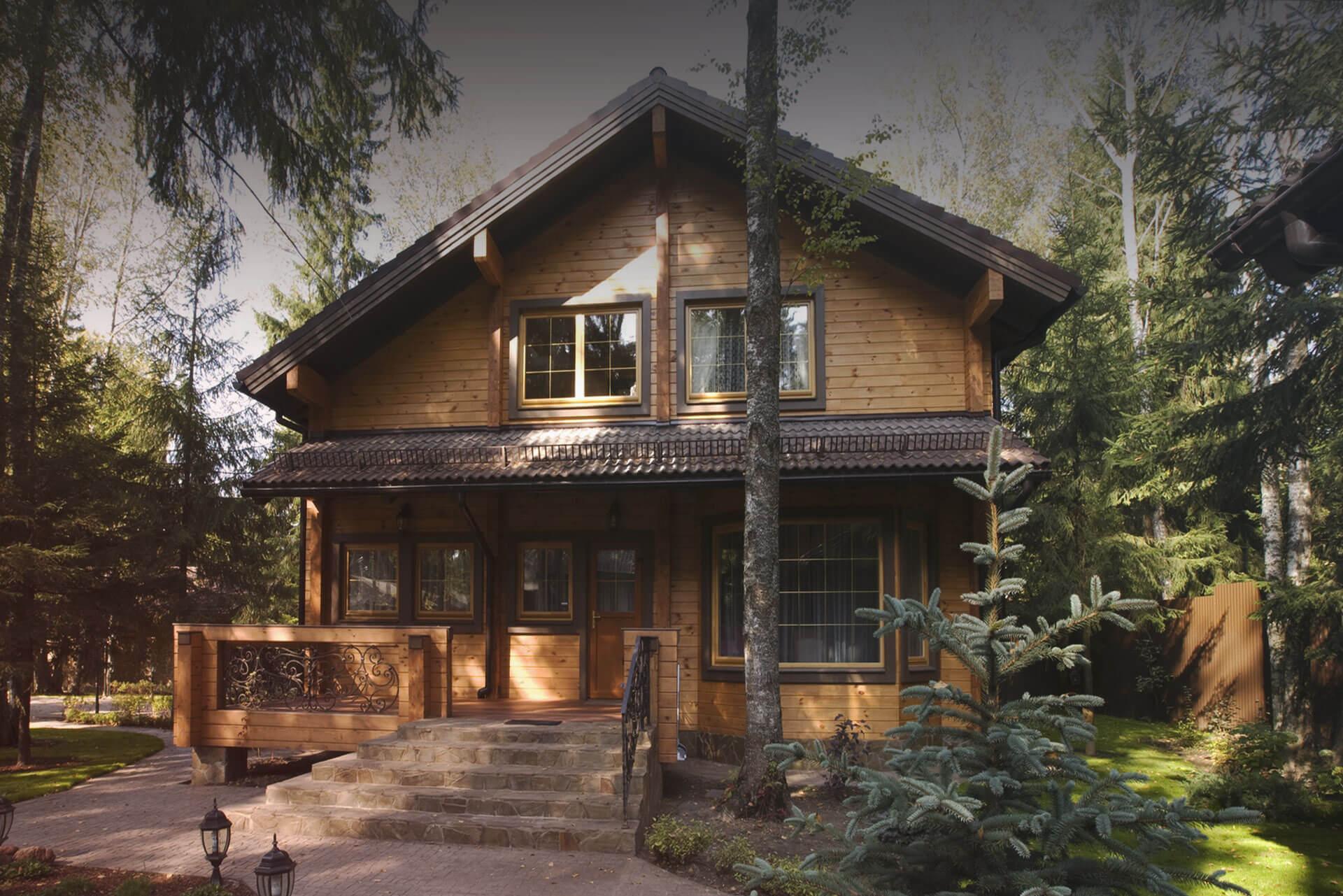 дом из цельного высушенного бруса