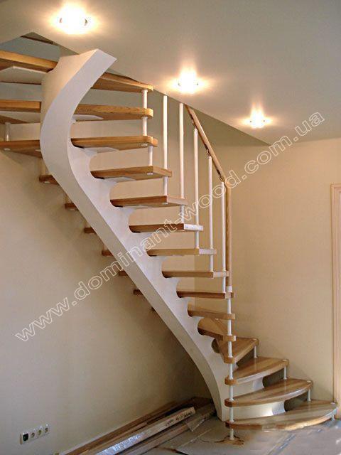 Оформление лестницы в гостиной