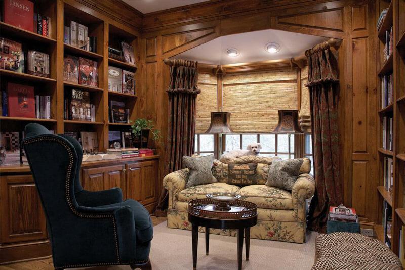 Деревянный интерьер библиотеки