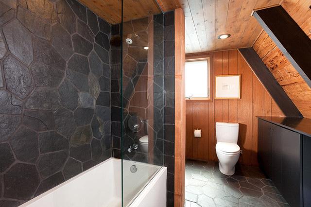 Планировка ванной в А-образном коттедже