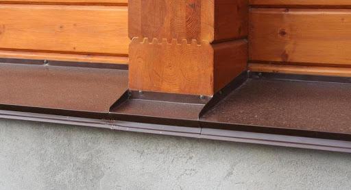 отлив для цоколя в деревянный дом