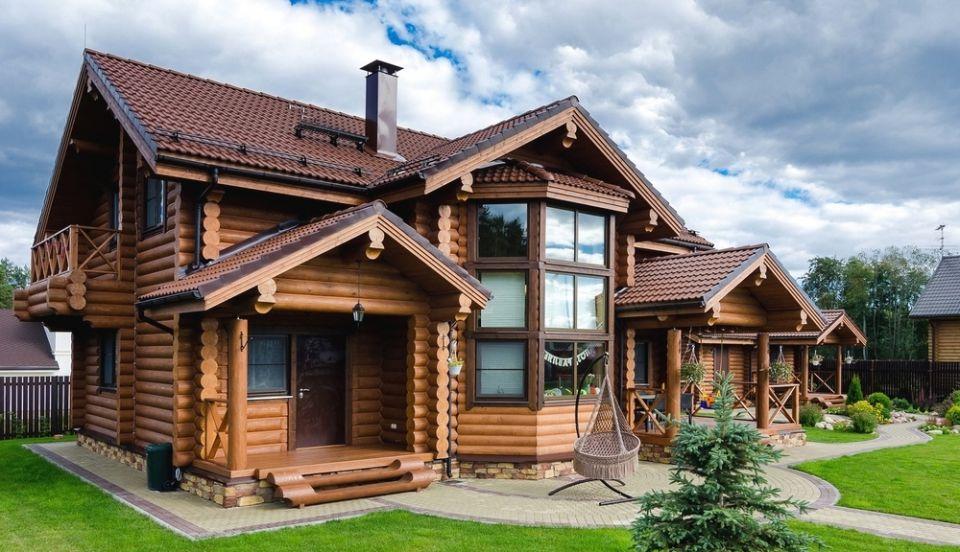 Использование сосновой древесины для производства деревянного комплекта дома