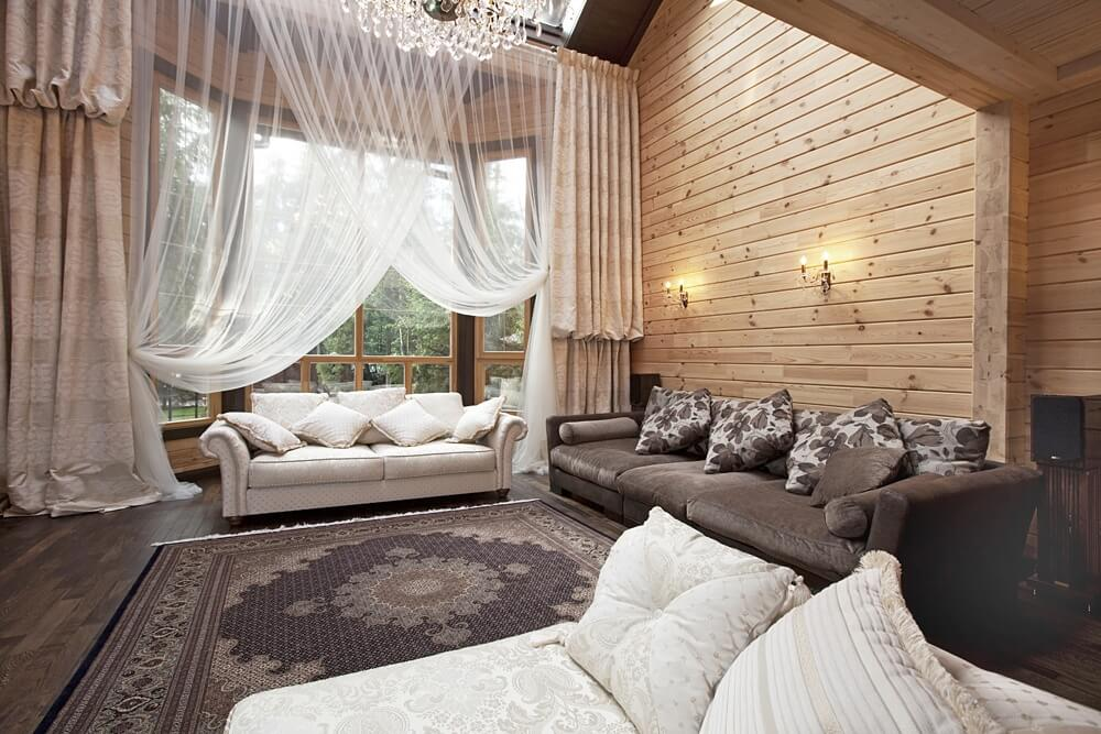 Пример интерьера деревянного дома в классическом стиле