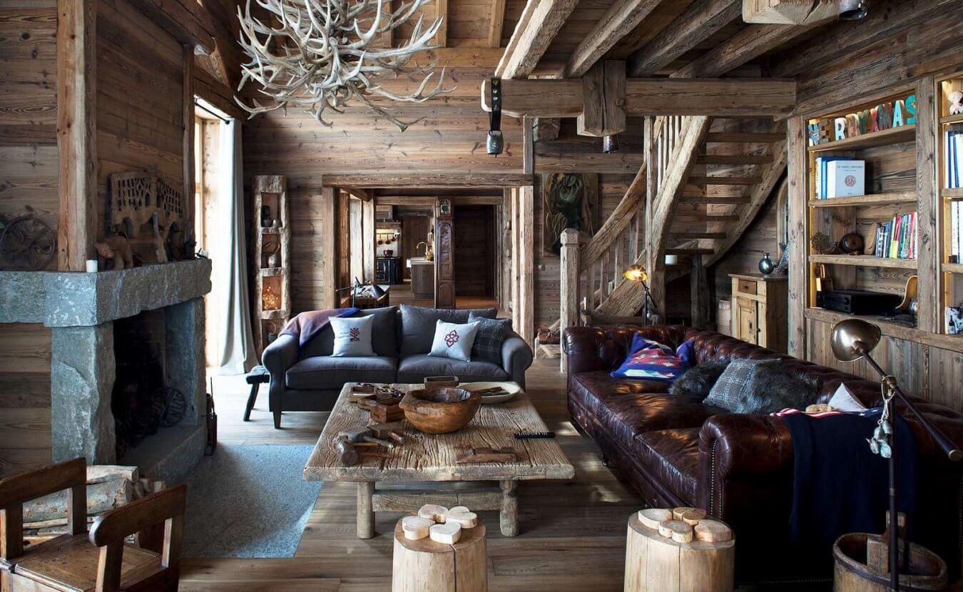 Пример интерьера в стиле «шале» дома из сухого бруса