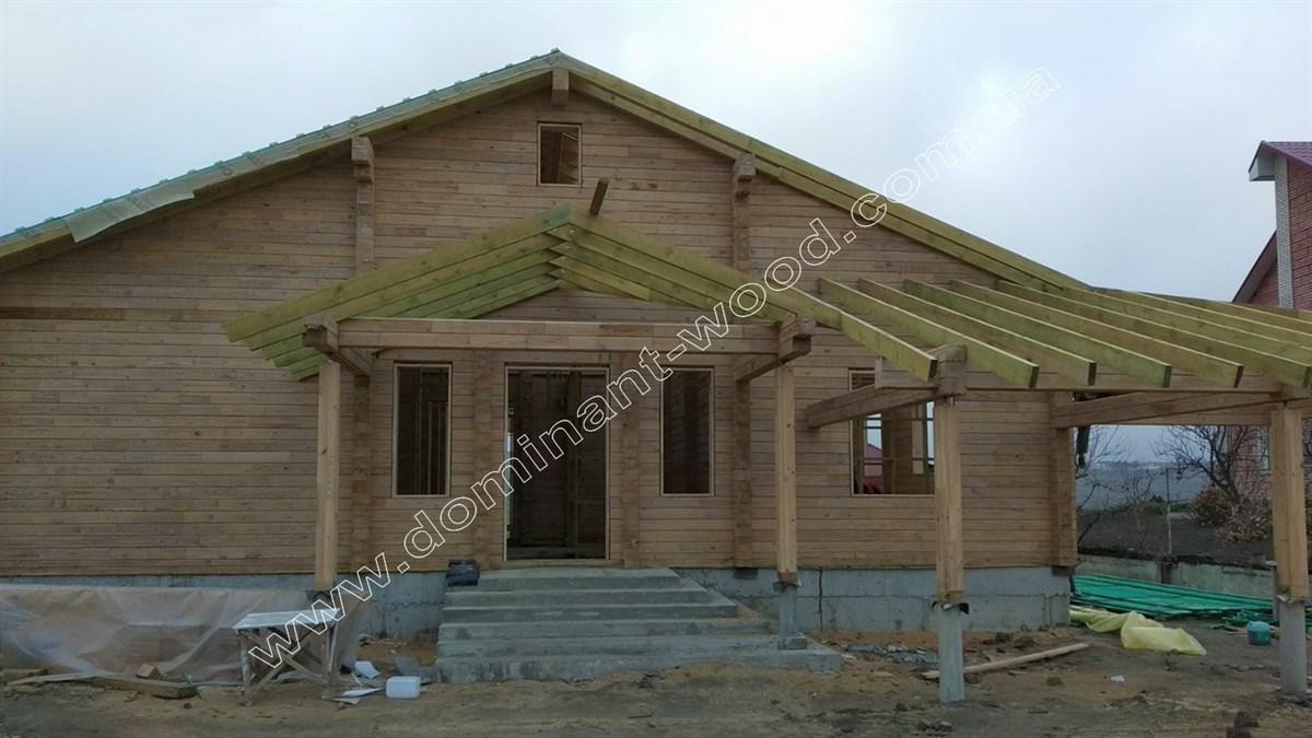 Будинок з терасами з сухого брусу