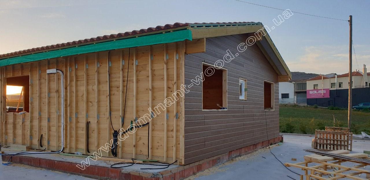 Утеплення літнього будиночка з дерева
