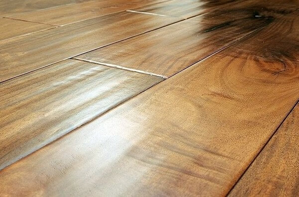 покриття підлоги воском